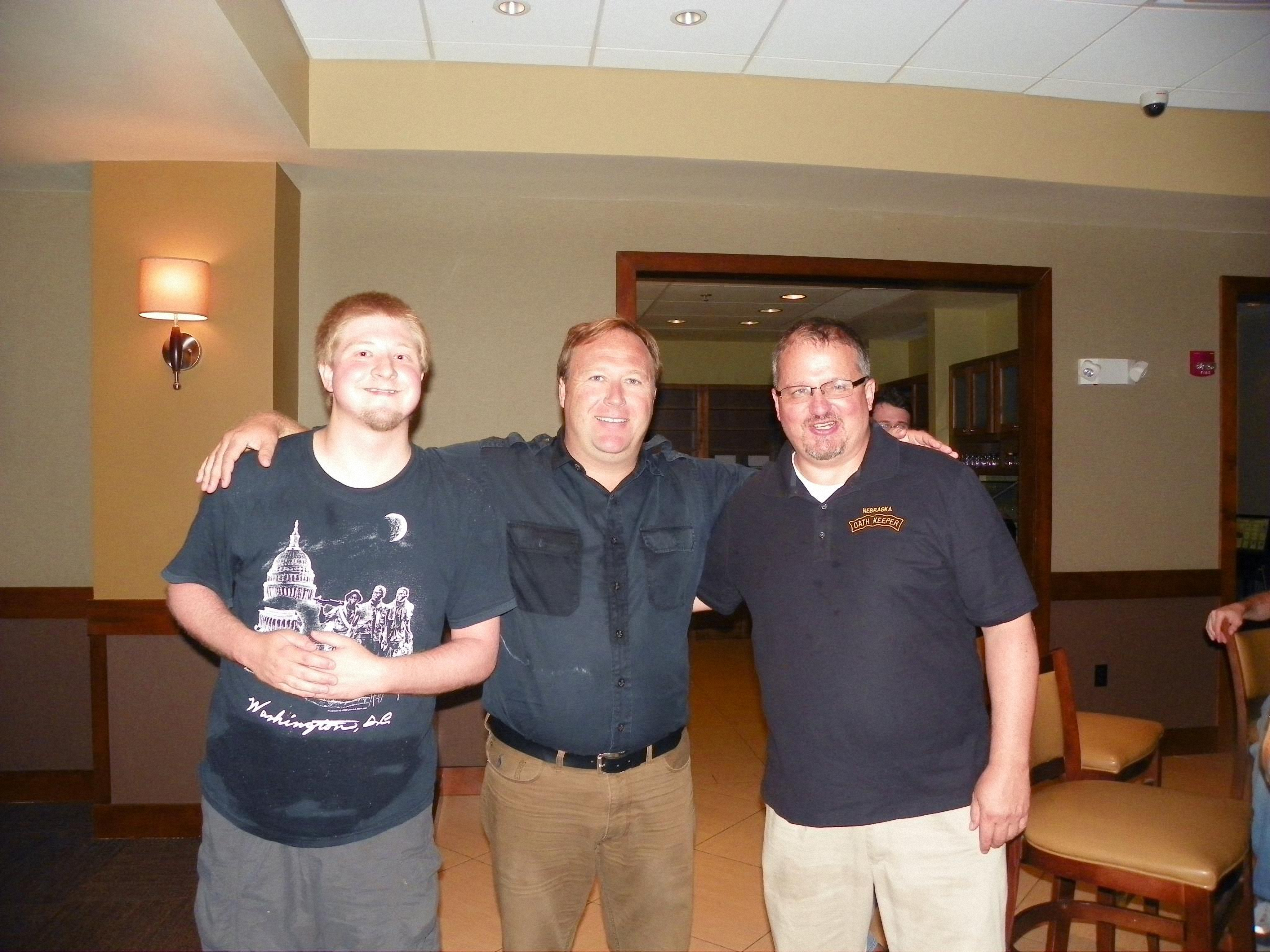 10-USWGO-Founder-Brian-D.-Hill-with-Infowars-founder-Alex-Jones-and-Oath-Keepers-founder-Stewart-Rhodes.jpg